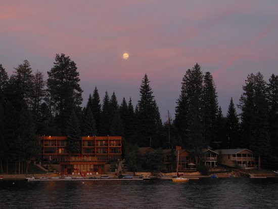 McCall, ID: 1 night before the full moon