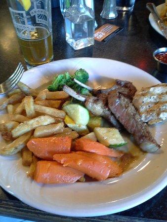 Longwood Brew Pub & Restaurant: stir fry