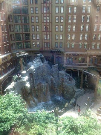 Sam's Town Hotel and Gambling Hall: photo0.jpg