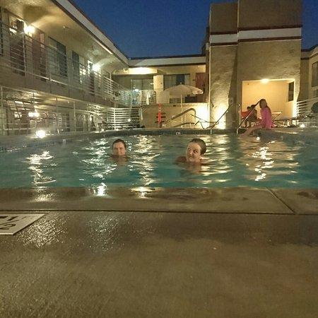 Crimson Hotel: IMG_20160730_203253_large.jpg