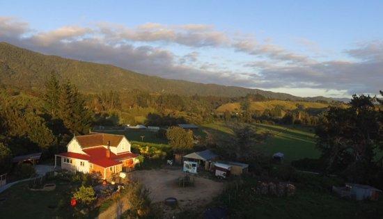 Takaka, New Zealand: Farm house horse holiday New Zealand Hack'n Stay