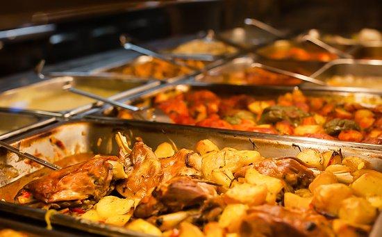 Θεσσαλία: Τα μαγειρευτά μας πιάτα προετοιμάζονται καθημερινά!
