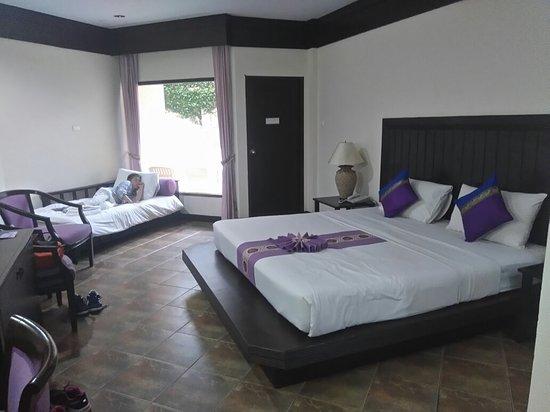 Kata Poolside Resort: DSC_0531_large.jpg