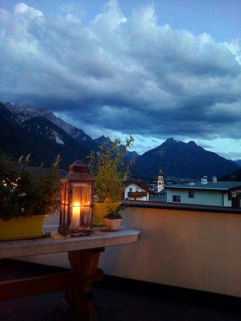 Fulpmes, Österreich: Dalla terrazza dell'hotel...