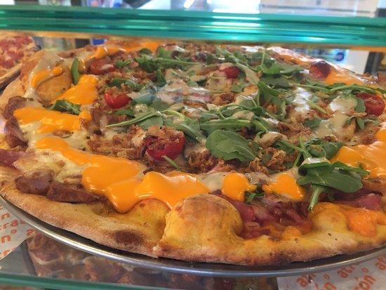 Pizzeria Atracon SL.: Nuestras Pizzas hechas con mimo y con ingredientes naturales