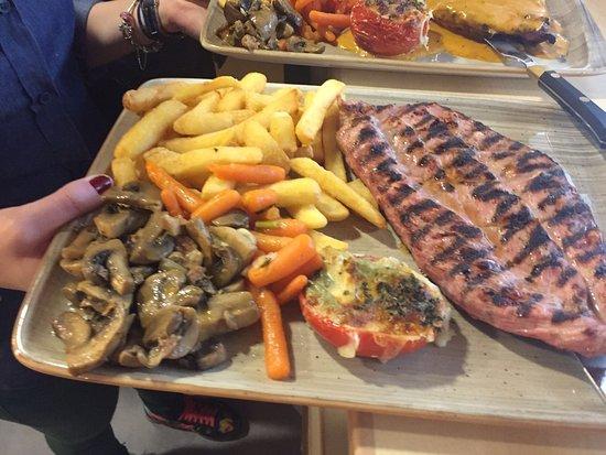 Pizzeria Atracon SL.: Carnes, Pescados, pizzas, Ensaladas... y mucho más