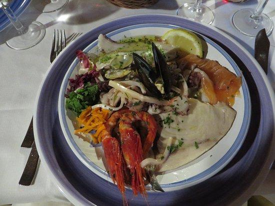 Entrees Fruits De Mer Dont Crevettes Crue De Trapani Un Delice