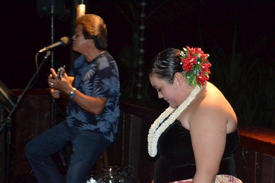 Paradise Bay Resort Hawaii: Fantastic hula show