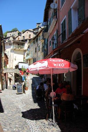 Саорж, Франция: la petite epicerie à l heure du dejeuner