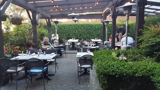 Adesso Bistro, On Haro Street: Patio