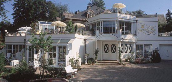 Aslan Kurpark Villa