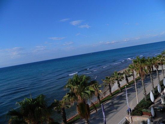 Sunway Playa Golf Hotel & Spa Sitges: Vue ouest