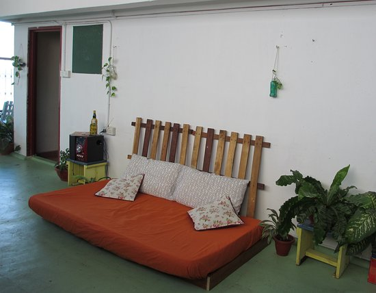 Sandakan Backpackers Hostel: Roof Top Terrace