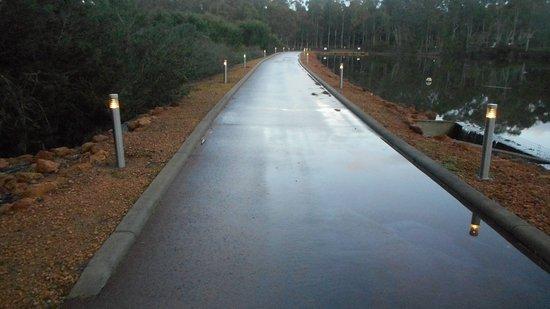 Metricup, أستراليا: Entrance driveway