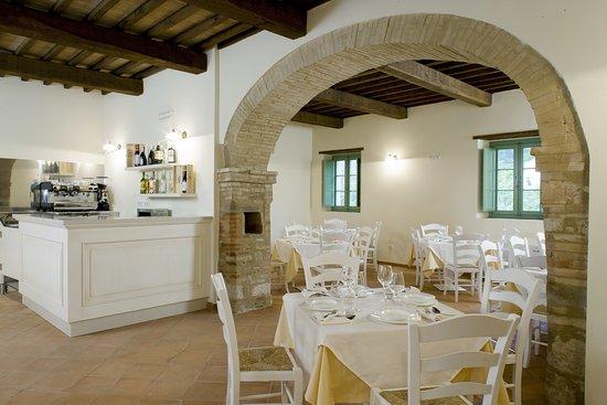 Valtopina, Italia: Sala risotrante Borgo di Gallano
