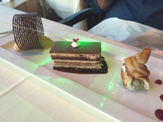 Five Sails Restaurant: photo2.jpg