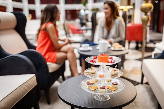 Le Regina Biarritz Hôtel & Spa - MGallery Collection : Tea Time