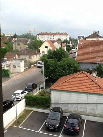 Campanile Dijon - Congres - Clemenceau: View of the parking lot