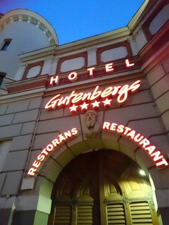 Hotel Gutenbergs: ตอนกลางคืน