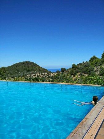 Estellencs, Ισπανία: Beautiful swimming pool