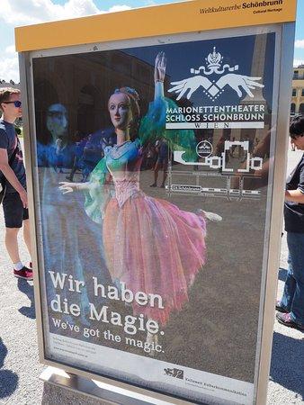 Marionetten Theater Schloss Schoenbrunn : Poster close-up