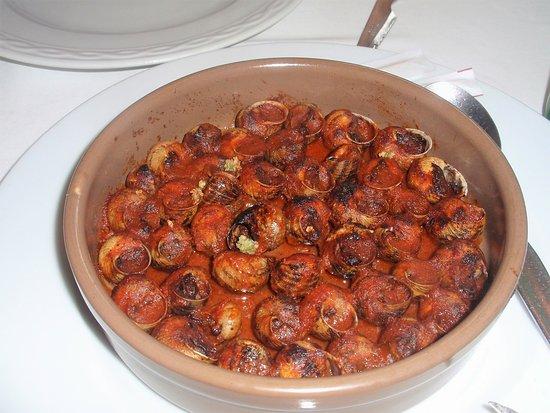 Sant Marti de Llemena, Ισπανία: caracoles en salsa