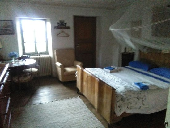 Le camere da letto ,2 matrimoniali e 1 a 2 letti The rooms, 2 double ...