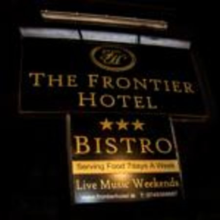 Bridgend, Ierland: The frontier hotel