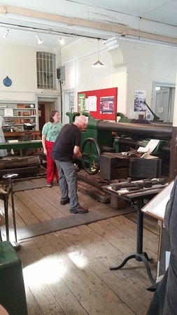 Kirkaldy Testing Museum: Start of setup showing only one end of huge machine.