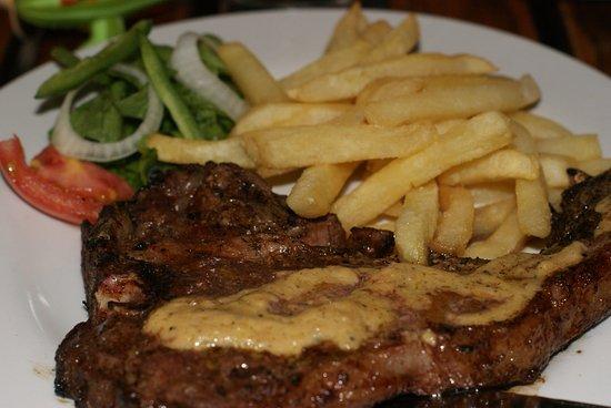 Ndola, Zambie : T-Bone Steak with Amazing Pepper Sauce
