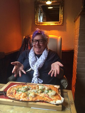 Henley in Arden, UK: My King Prawn and Scalllop Pizza....tasty and filling!
