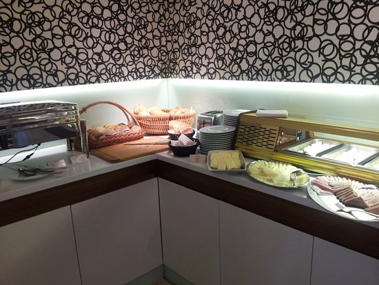 Hotel Villa Regent: restaurant DOMA - bufetový stůl