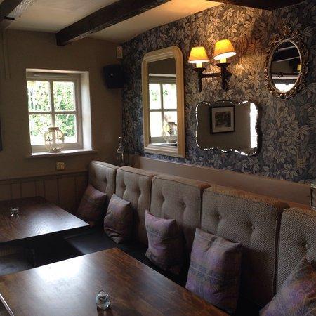 Odiham, UK: Lovely decor inside