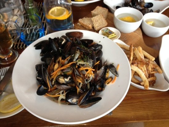 Letterfrack, Ierland: The Lodge - moules frites