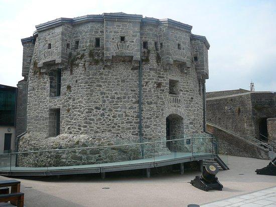 Athlone, Irland: Main tower and vistor centre