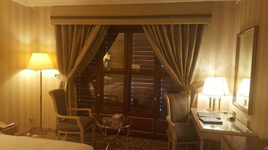 Hilton Makkah: 24th Floor king deluxe room Kaaba view