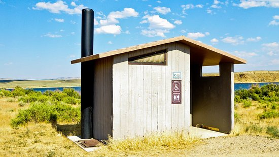Rock Springs, WY: Conveniences at Flaming Gorge Headwaters
