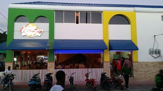 San Pedro de Macoris Province, Dominikanische Republik: La Ceniza Restaurante y Pizzeria