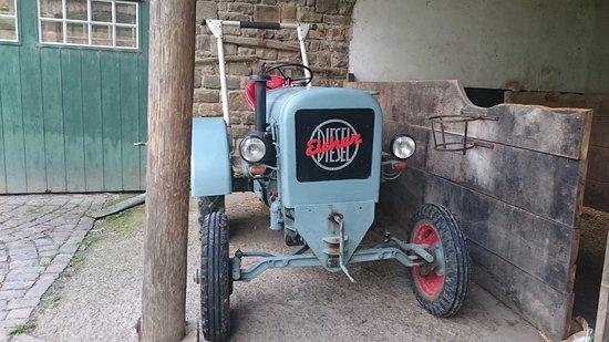 Lindlar, Niemcy: Ein weiterer Traktor ...