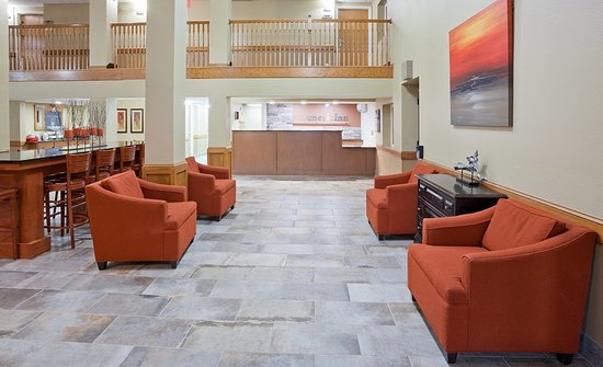 Apple Valley, MN: Inviting Lobby