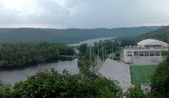 West Point, estado de Nueva York: Looking down on the Hudson from Fort Putnum