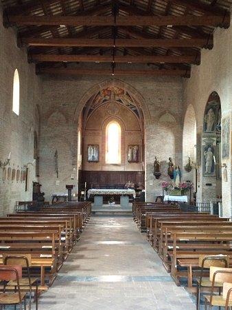 Sarnano, Italien: Navata principale