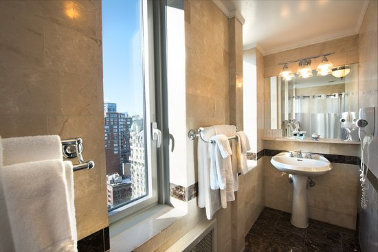 Hotel Beacon: Executive Suite bathroom