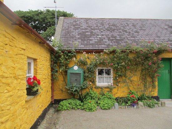Muckross Traditional Farms: The farmhouse
