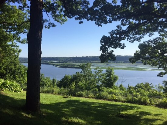 Dubuque, IA: You can see far and wide from the path along the river.