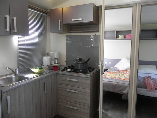 Creully, Γαλλία: cuisisne mobil-home