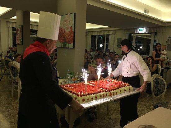 Croce di Malta: torta dello chef