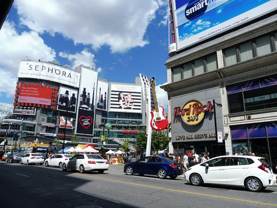 photo0.jpg - Picture of Yonge-Dundas Square, Toronto ...