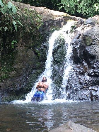 Manzanillo, Costa Rica: Aqls meditating for a moment under the falls