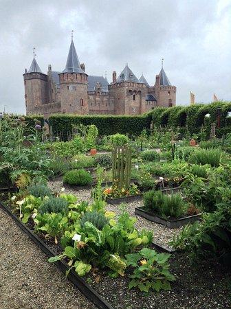 Muiden, Países Bajos: from the garden